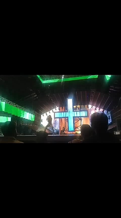 dance+ audition urban Hiphop on bom diggy song 😍#hiphopdance #indiandancer #staroftheweek #staroftheday #roposostar #risingstar #beats #wow #roposotalent #danceplus4 #amezingdance #bomdiggydiggybom Roposo Roposo Krishna Manisha