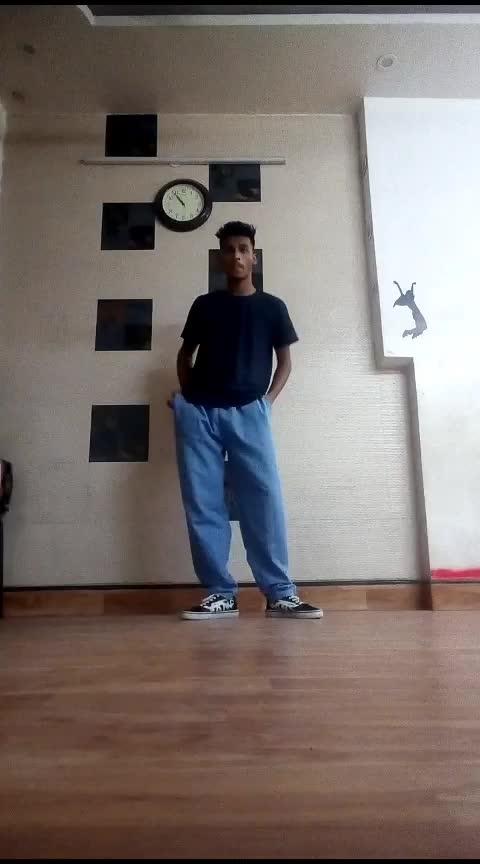 #aajraatkascenebanale #badshah #risingstar #roposostar #delhi #dancer #freestyle #smile #home #academy #dance