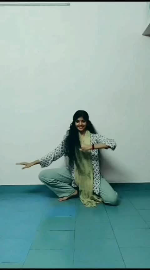 #risingstar #classicaldance #classicaldancer #athirasajeev #dance #roposo-dance #malayalam #roposo-malayalam #malayalamsong