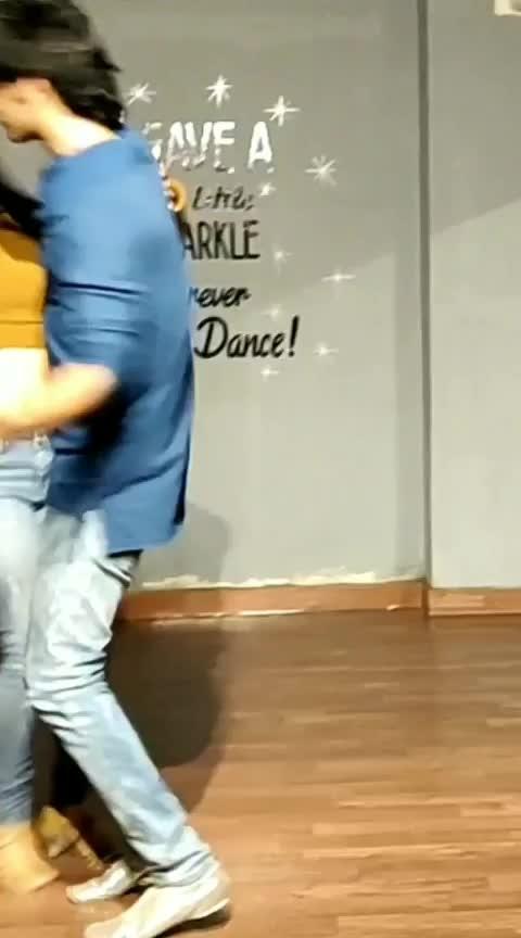 Bachata with Divit chawla #aakritigautam #bellydancer #latindancer #bachata #bachatalove #bachataistakingover #danceforlife