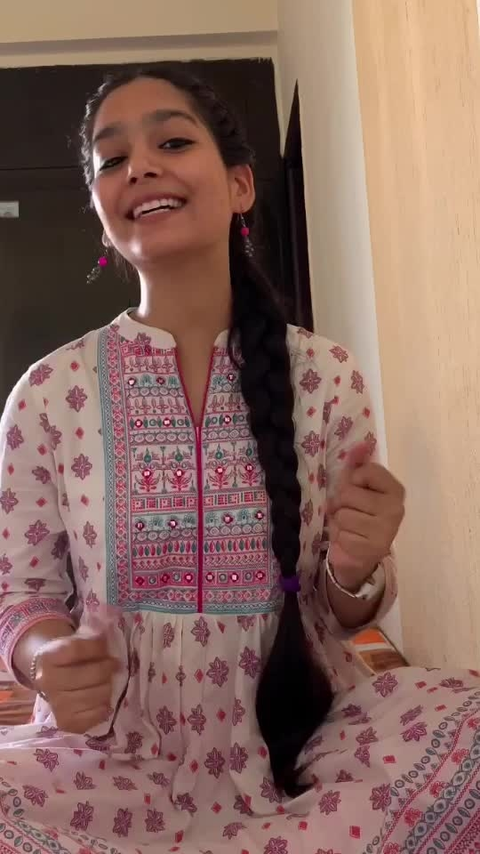 "A humble attempt to sing ""Goonji Si Hain"" ❤️ Originally sung by #sadhnasargam and @udit.narayan.jha  @shankarehsaanloy @shankar.mahadevan @ehsaan @Vivekoberoi @aishwaryaraibachchan_arb  #Javedakhtar #sheetalrawat #sheetalrawatmusic #goonjisihain #aaona #shankarmahadevan #uditnarayan #song #cover #instamusic #instasinger #artistoninstagram #musical #vivekoberoi #aishwaryarai #instagram #instagood #aaona #random #viralvideo #bollywood #bollywoodmusic #roposo #risingstar #risingstaronroposo #indiansingers"