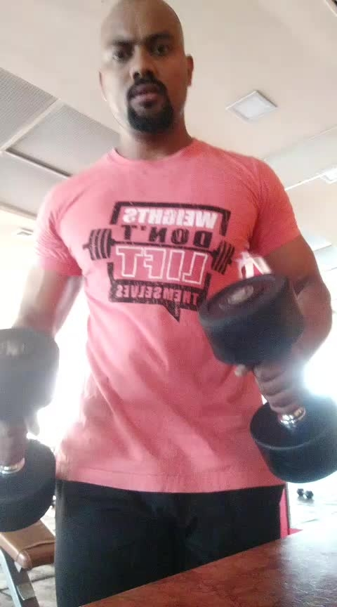 Dumbbells curls with shoulder press #20 #jpnagar #jp_fitness_trainer #jsfitnesszoneyoutubechannel #jsfitnesszone #roposoness #roposofitness #ropososong #biceps #workmode #off-shoulder #jsfitnesszone