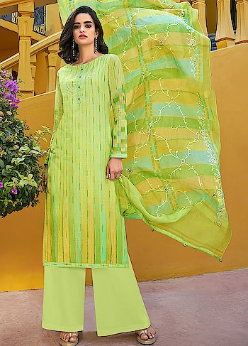 There is nothing better than having summer colors in your wardrobe, launched in our new Roma Yumna. A charming green casual wear straight cut style suit comes with Emroidered Digitally Printed Poly Silk Top, Dyed Nylon Staple Bottom and Embroidered Digitally Printed Dupatta.
