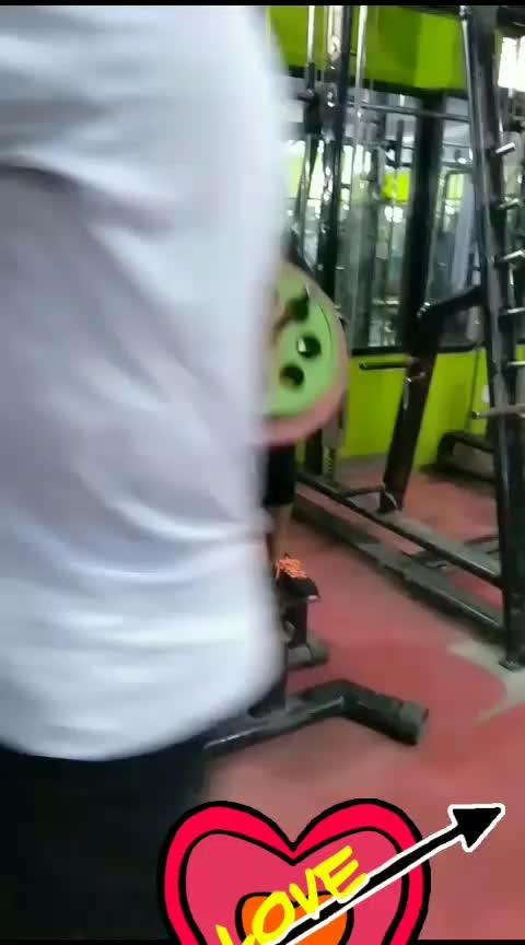ये मेरा दीवानापन है । #gymlife ##gabruchannel #punjabi-gabru #biharibabua #jharkhand #fitnessmotivation #fitnessblogger #fitnesslifestyle #healthtips #lookgood-feelgood #lovepain
