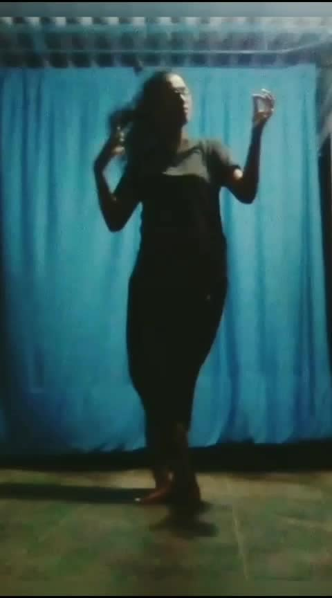 Part 2 of my fav song ❣️#thamaraipoovukum  #roposo-dance  #roposo-dancer #dancerforlife  #practice