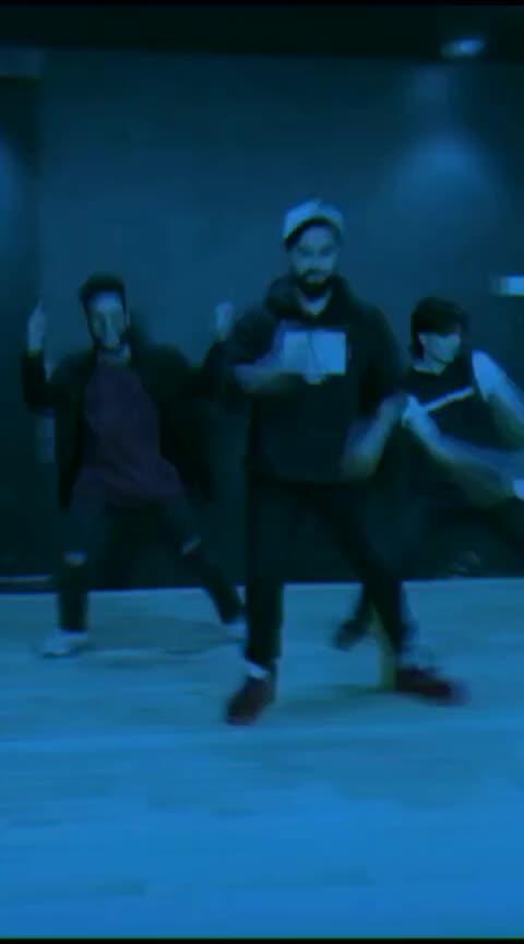 Slowly Slowly 👅👅 #roposo #roposo-dance #dance #risingstar #roposostar #slowlyslowly #gururandhawa #trendeing