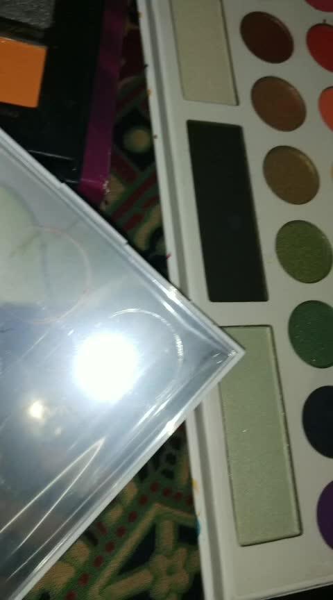 Eyeshadow palette ❤ #roposostarchannel #ropo-makeup #lookgood-feelgood #lookgoodfeelgoodchannel #roposo-creativity