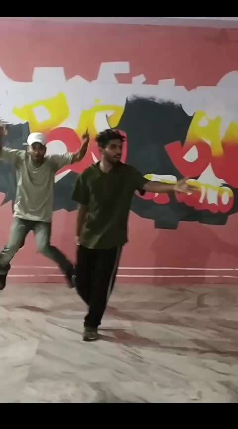 Breakdance routine with brothers #newvideo #roposo-dancer #video #dance #roposo-dance #bboying #breaking #bboy #dancelife #brothers #love #place #nice  #so-ro-po-so #roposo #hard #work #hardworks #art #artist #practice #fun #roposofun #roposo_funny #hiphopdancer