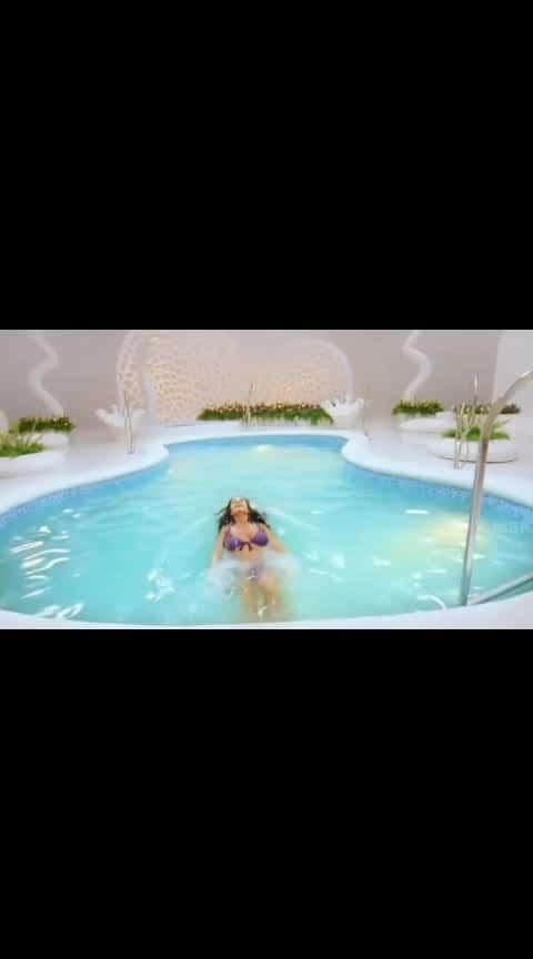 bikini baby #amyjackson #amyjacksonfitness #beachgirl #beachbum try to control urself