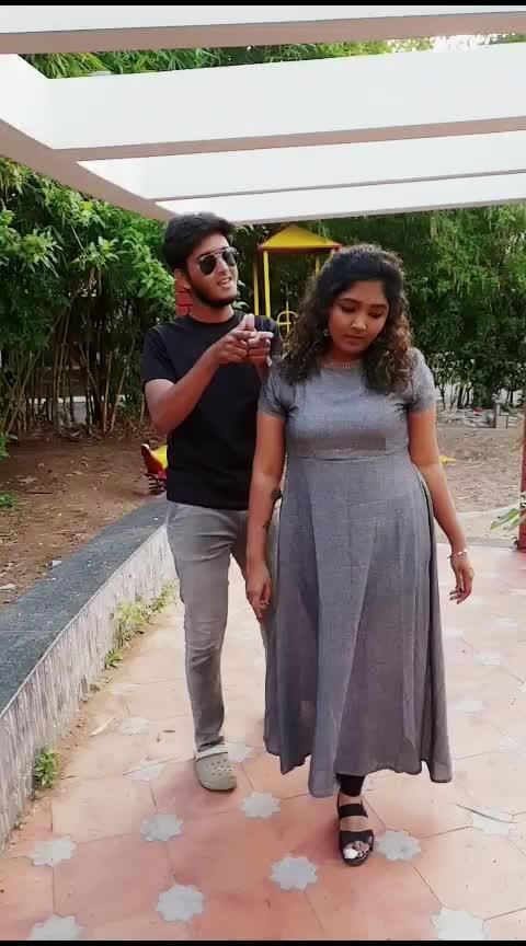 Setting the trend!❤🖤 Dw:@saravanasudan  Vc: @sunil_kapoor_s . . #dancelove #danceindia #moonu #lalalala #curlyqueen #saravanasudan #saravana_sudan #slowmo #love #dhanush #shruthihassan #monisha #curlyhair  #crazyme #tiktoktamil #tiktokofficial #tiktok #tamil #tamilmuser #coimbatore #coimbatoreponnu #tamilsong #tamil