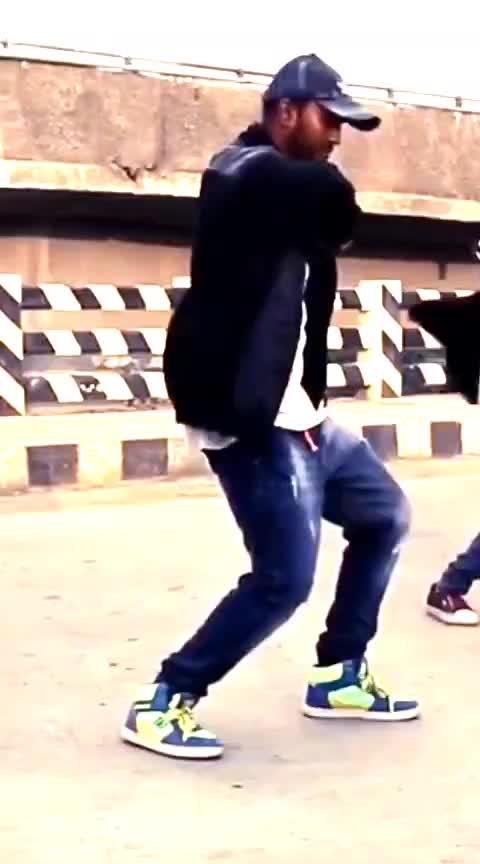album😍 #albumsong #tamilsongs #roposo-dance #beats #roposo-beats #darwin #coimbatore #onesidelove