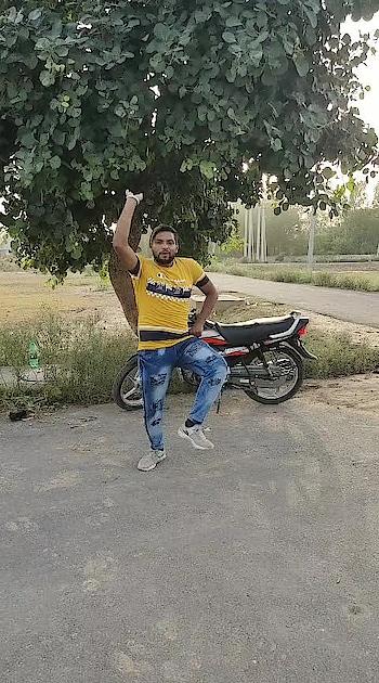 Tommy diya jeen #bhangra #bhangralove #bhangrafunk #bhangramusic #bhangravideos #so-ro-po-so #roposo #roposo-beats