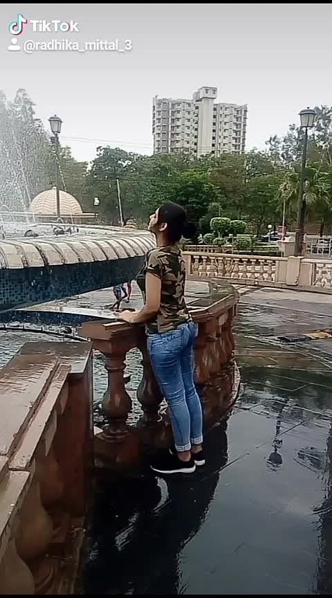#feel #waterfountain #familytime #enjoymoments