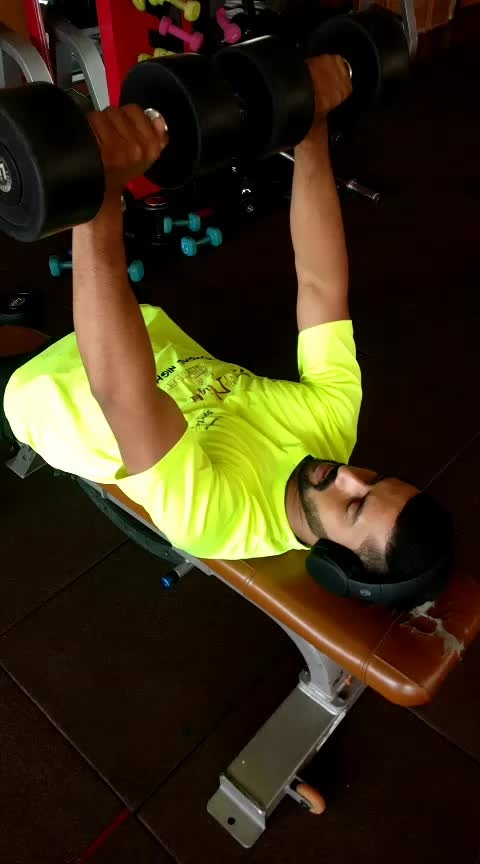Flat bench dumbbells press 20 and ground pushups 20#jp_fitness_trainer #jsfitnesszoneyoutubechannel #jsfitnesszone #roposo #roposostar #risingstar #roposo_camera #roposostar #risingstar #roposocamera #roposomodel #roposoacting #roposo-good #fitness #backworkout #chestworkouts
