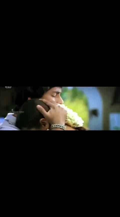 #sidharth #trisha #nuvvostanante_nenodhantana #lovesong #videosong #whatsapp-status