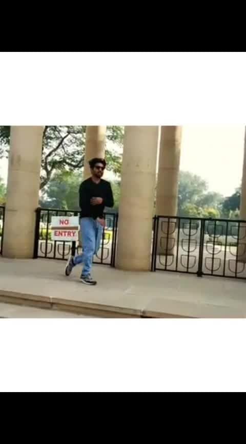 Right moves on right place 😎 . . . . . . . . . . . . #ropo-video #roposo #ropodance #bboy #bboying #bboylife  #dancelife  #roposo-dancer  #power  #powermoves  #flare  #strength #stunt  #sporty #athlete  #hiphopdance  #bboying #bookworld  #bboyforlife   #bboyforlife