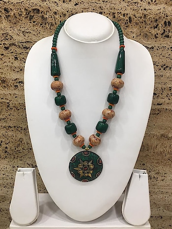 Multi-Color Pendant Orange Stone Green Beads Necklace❤ Rs 230/- Item Code:(1405N54) Purchase From Our Website - https://digitaldressroom.com/collections/necklace/Necklace #necklace #necklaces #necklaceset #goldplatednecklace #stonenecklace #glassnecklace #beadsnecklace #antiquenecklace #antiquejewellery #afghaninecklace #afghanijewellery #afghanitibetannecklace #afghanitibetanJewellery #antiquetibetannecklace #colorfulnecklace #jewellery #imitationjewellery #traditionjewellery #fashion #fashionjewellery #weaternjewellery #indianjewellery #womennecklacesset #jewellerysset #necklaceforwomen #tibetanjewelryforwomen #necklaceforgirls #jewelleryforwomen #Indianfashion #traditionalfashion #westrenfashion
