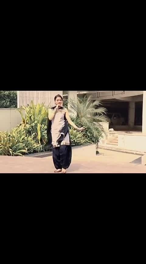 cute dance #beatschannels #wowchannel #hotdancer #roposo-music #ropo-music #beat-channel #roposo-wow #yourfeedchannel #gooddance #roposo-filmistan-channel @sanayasaikh0396 @nitinagarwal0683