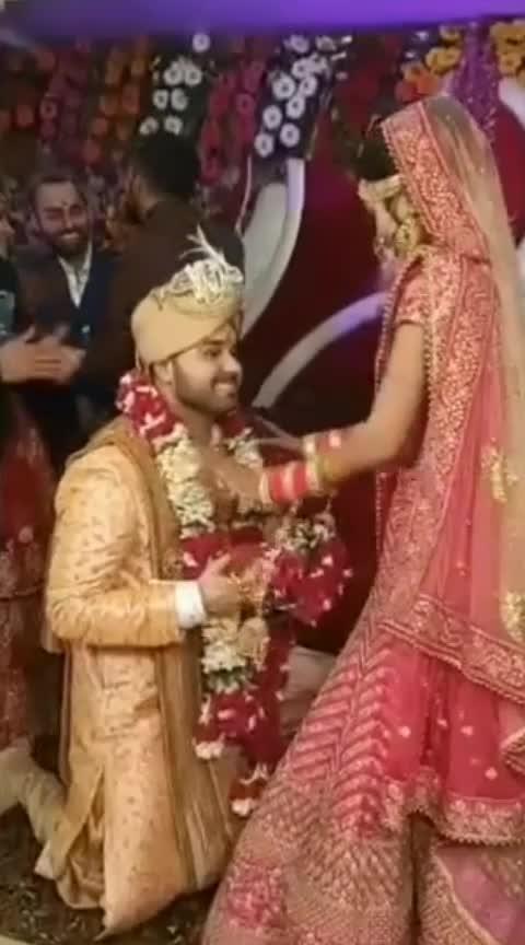 #celebritiesof #weddings #wedding-bride #wedding-outfits #weddingthings #wedding-dress #wedding-lehnga #wedding-roposo #wedding-collections