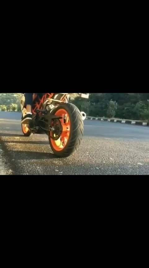 #ktm-stunt #ktmrc200 #ktm_oficial #ktmlover #ktm_oficial #ktm_rc_390 #ktmindia