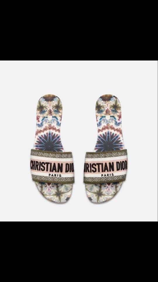 CHRISTIAN DIOR SLIPPERS 2019 For the very first time Best prints❤😍 Size: 36 to 40 (3 to 7)