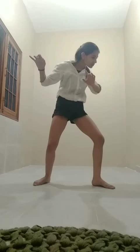 #freestyle #roposo-dance  #roposo-dancer #creepy #mystyle #movement