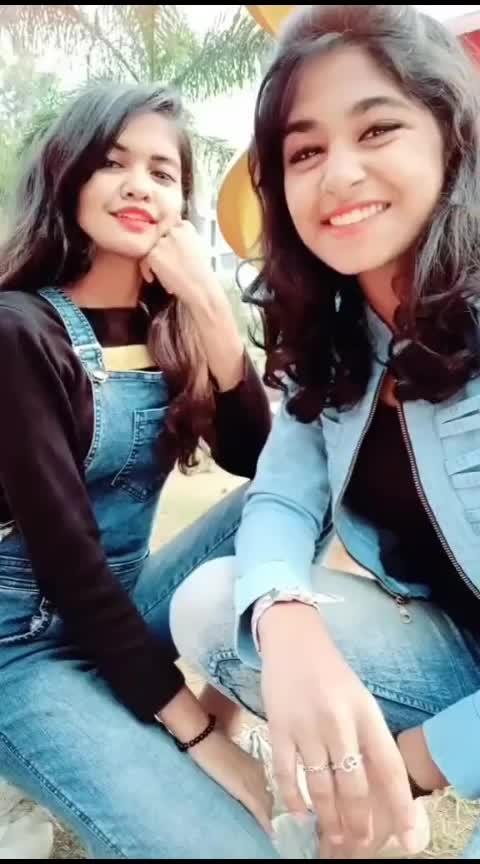 गोव्याच्या किनाऱ्यावर तू नेशील का❤️❤️😉🙈🙈#marathi-culture #marathiroposo #marathimulgi #marathimasti #attitude_क #twins #self-love #friendshipgoals