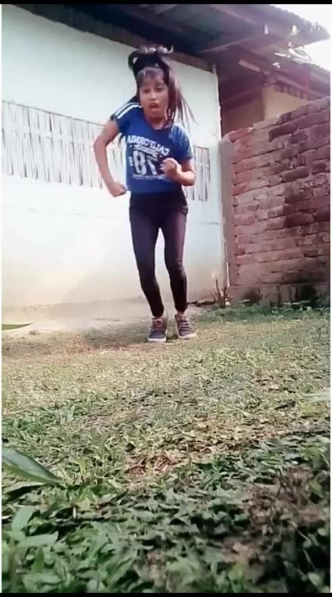 neend churayi mere dance#golmalagain #neend_churaiye #hiphopdance #indian #indiandance #assamgirl #assameseblogger #dolidance #dolidas #hotdance #beats #wow #yourfeed #foryou #roposo-dance #awesome #happydance #internationaldanceday Roposo Roposo Krishna Tanisha Manisha #staroftheweek #staroftheday #slay #bollywood #hiphop #roposo-dance #roposo-talent #talenthunt