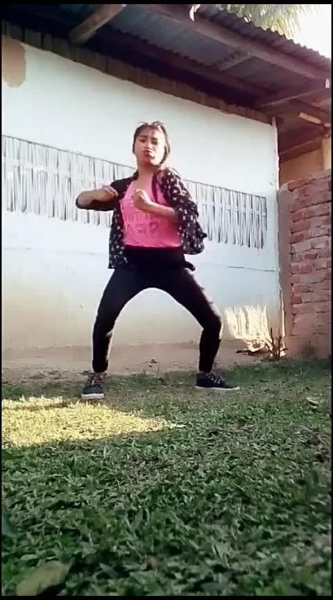 putt jatt da dance#punjabisong #hiphopdance #bhangravideos #bhangramusic #putt_jatt_da #diljitdosanjh #beats #dolidance #roposostar #roposorisingstar #staroftheweek #staroftheday #dolidance #wow #indiandancer #roposotalenthunt #roposodancer #roposo_camera Roposo Roposo Tanisha Krishna Manisha