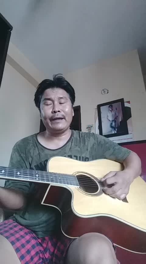 Mojhy Teri muhabot ka Sahara  very old song,home practice friends plz like n comments