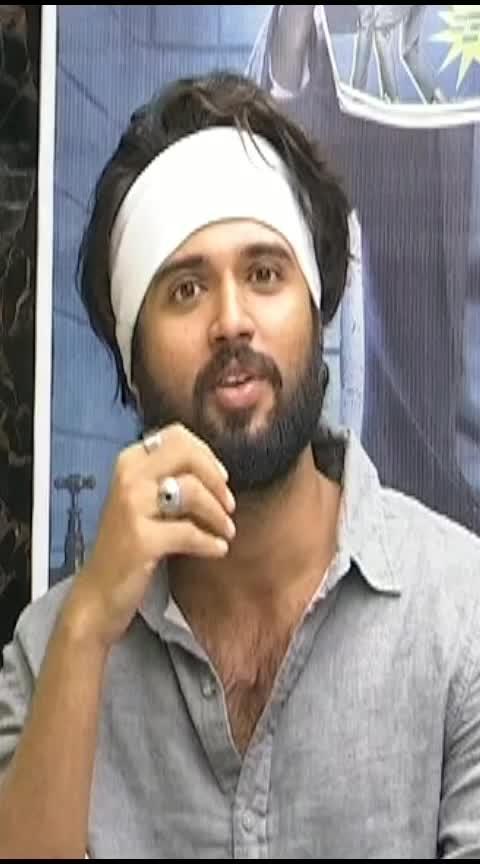 #వీడు ఏడ్చుకుంటూ నాకు మెసేజ్ పెట్టాడు#Vijay About Naveen#