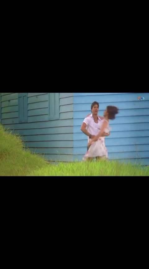 #shahid_kapoor  #kareenakapoor  #bollywoodactress  #bollywood  #filmysthan  #hindi_song  #hindi_love_song  #old-hindisong  #old-is-gold-song  #bollywooddance