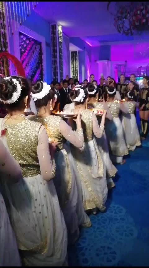 #indian-festival #weddinglook #indianwedings #risingstar #roposo