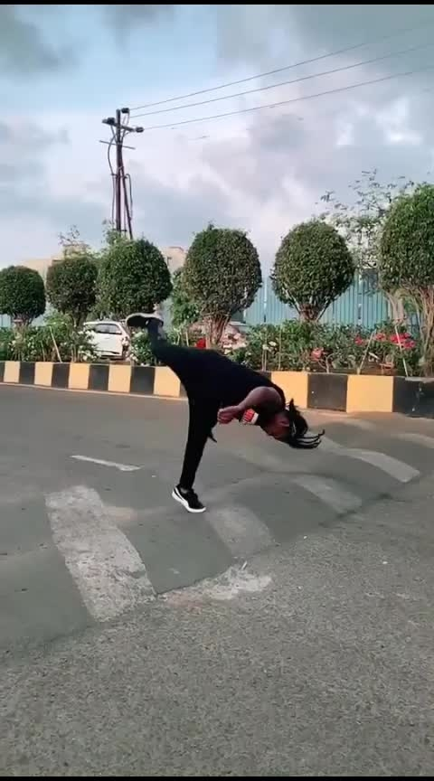 Tumbling on road 🤯 - slowmo - parkour - flips - sportlover - gymnastic - gym - sports ( 960 X 540 )