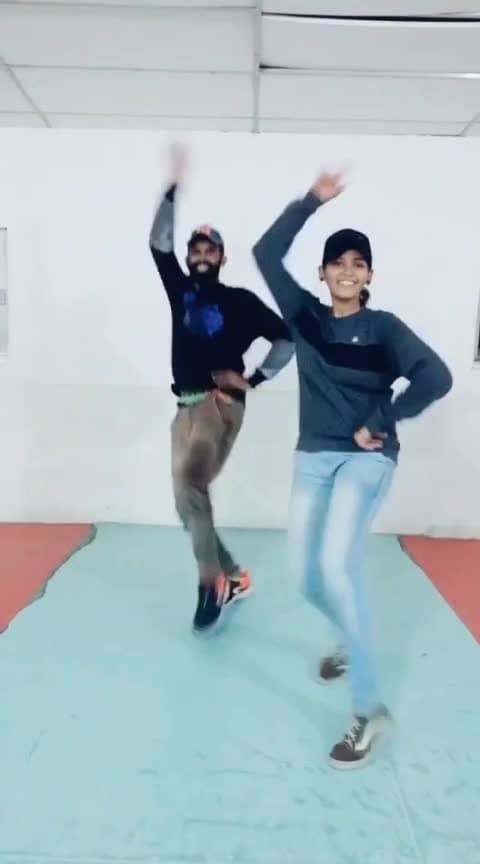 thalalanu nadanthu vantha 😍🕺💃 #roposo-dance #roposo-tamil #mahibhai #cbe #coimbatore