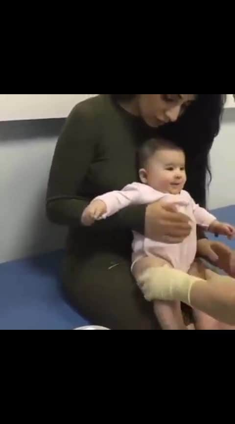 How calm is this baby when Doctor 😷 is putting inj