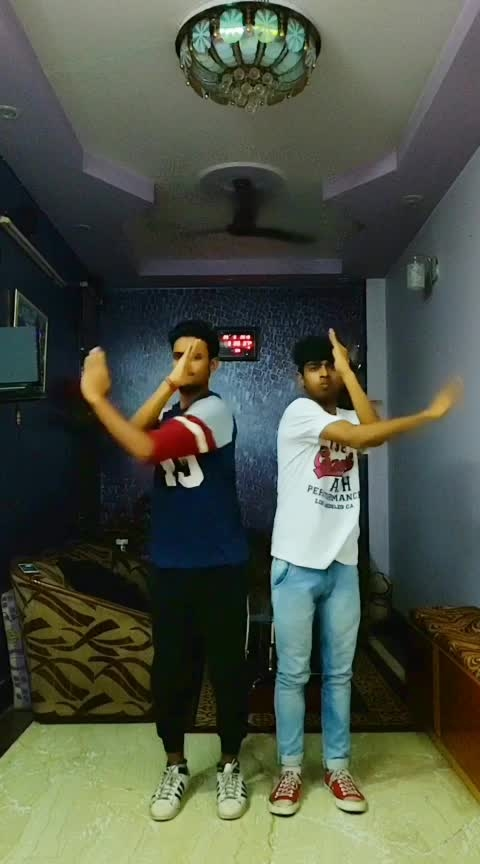 Deep down low hand tutting 📐🔥  #rops-star #angle #handtutting #tutting #tuttingindia #tuttingdance #dance #roposo-rising-star-rapsong-roposo #roposo #indian #tuttingchallenge
