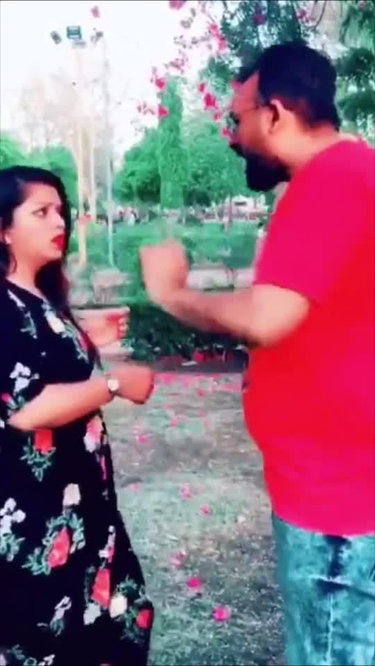 અરરરરરરરર @jharanasheth #gujjukisena #joniliver #comedy #bollywoodcomedy