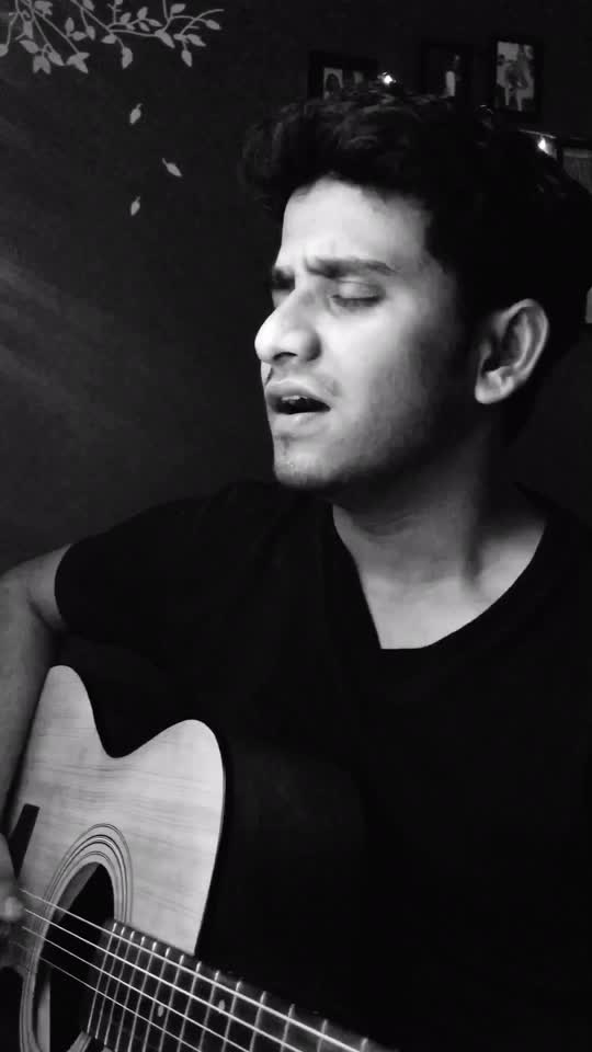 Lag ja gale 😔 . . #lagjagale #retrolove #oldisgold  #indianartist #indiansingers #musiclove #singer #artist #bollywood #bollywoodmusic #rawcover #songcover #acousticcover #roposotrends #roposotrendings #roposomusic #roposo #roposoartist #roposocover