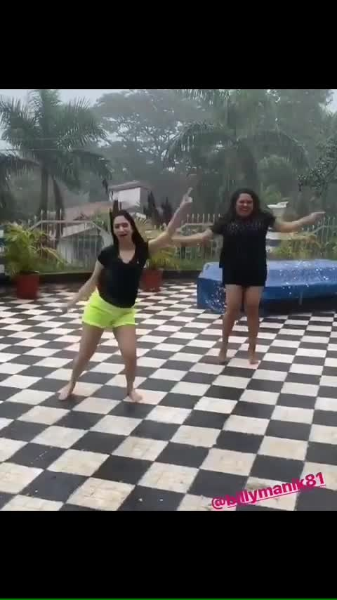 #actress #tamannaahbhatia #hotandsexy #raindance #super-sexy #hotgirl #navelqueen #milkybeautytamannaah #angel #sexythighs