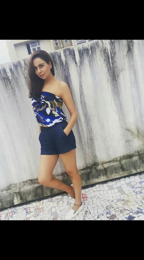 Saturday Mood😎 Saturday Vibes🌌  #sarurdaymood  #saturdaymotivation #saturdaymakeup #saturdayoutfit  #saturdayvibe  #monsoonseason  #monsoonwear  #monsoon  #mumbaimonsoon  #photographylovers  #picofthedaystyle  #photographers_of_india  #instablogger #instablogger  #newpostalert🎉🎊🎉🎉 #outfitideas4you #offshouldertop #shortstyles #shoescanvas
