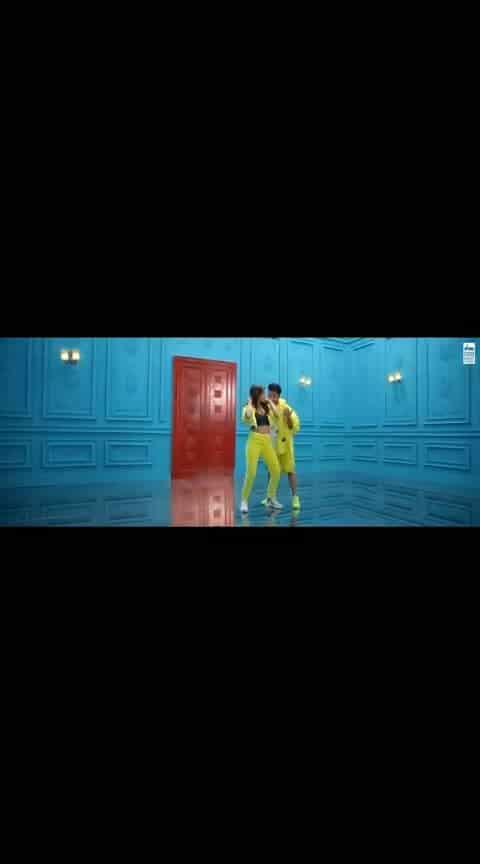 #dheeme-dheeme #song #nehakakkar #nehasharma #tonykakkar #bollywood #non-vegjokes #dance #love #wow