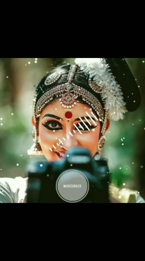 Kerala vibes ♥️😍 . . . #musiccrazie #vinothracky #vaadi_pulla_vaadi__ #kadhalin_unarvugal #tamil #tamilmovies #vidyavox😘 #kuttanadapunjayile