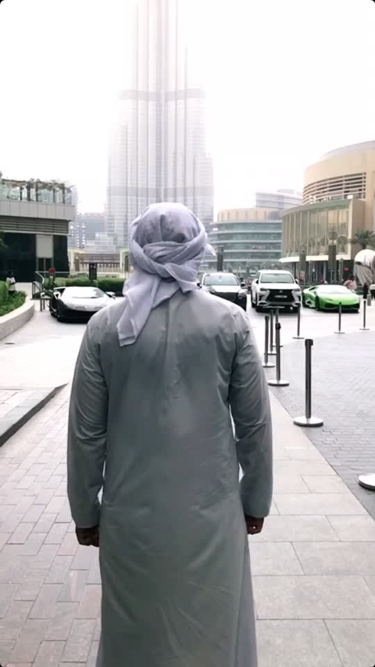 Around Dubai in 15 seconds 😍  #dubai #slowmo #mydubai #roposoers #uae