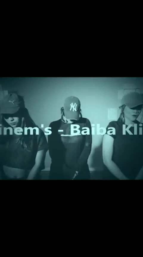 my choreography 💛 #2017 throwback.  . . . . . #hiphopdance #hiphopvideo #hiphopchoreo #roposoness #ropsdance #zeal #eminem_rap #eminem