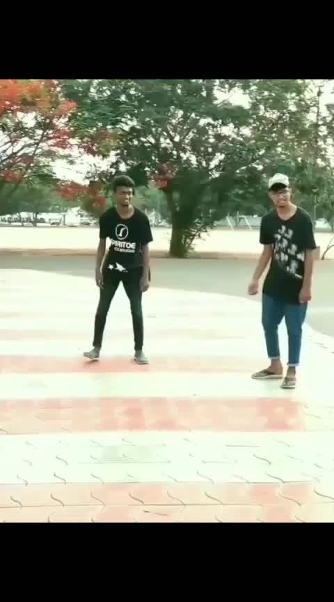 manajal veyil freestyle with dance mates! PART-1#manjalveyil #kamalhassan #jothika #tamilromanticsongs #tamillovesong #danceday #danceholic #freestyledance #popping #poppingdance #hiphopdance #hiphop