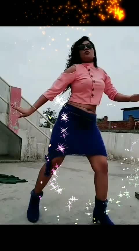 #roposo-dance #desi-patakha #desi-ledy