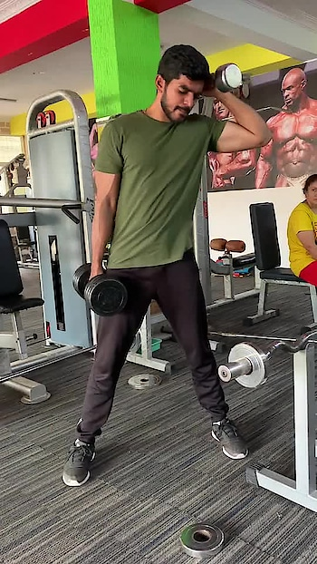 Sides workout #sidesworkout #absworkout #fitness #fitnessfreak #lookgoodfeelgood #roposo