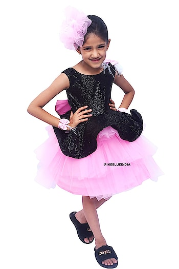 Baby to Big Girl Layered Dress - Dress with Feathers Kids Contact :+918000011699 Shop Now : https://www.pinkblueindia.com/pink-and-black-layered-dress.html  #kidspartyweardress #flowergirldress #kidsdress #birthdaydress #childrensclothing #flowergirl #kidsfashion #girlweddingdress #babygirldress #babydresses #babyfashion #birthdayfrocks #kidswear #girldress #onlineshopping #babybirthdaydress #kidsbirthdayfrocks #layereddress #usa #uk #australia #pinkblueindia