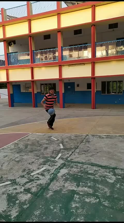 #basketball #roposo-sports #awesome #Reverse basketball layup